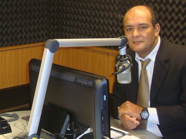 roberto_fernandes_debate_radio