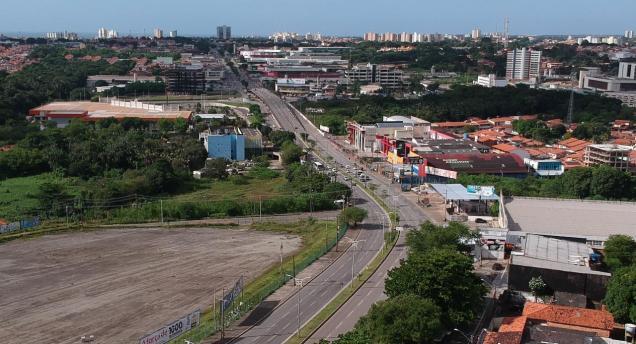 23392_ruas_e_avenidas_estao_mais_vazias_2_9098405993402136849