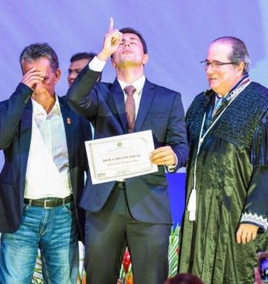 Registro da solenidade de diplomação do deputado estadual Duarte Jr